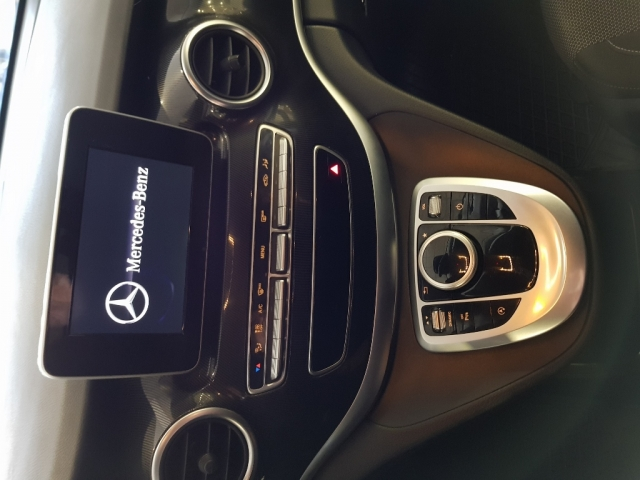 MERCEDES BENZ V200CDI  for sale in Malaga - Image 11