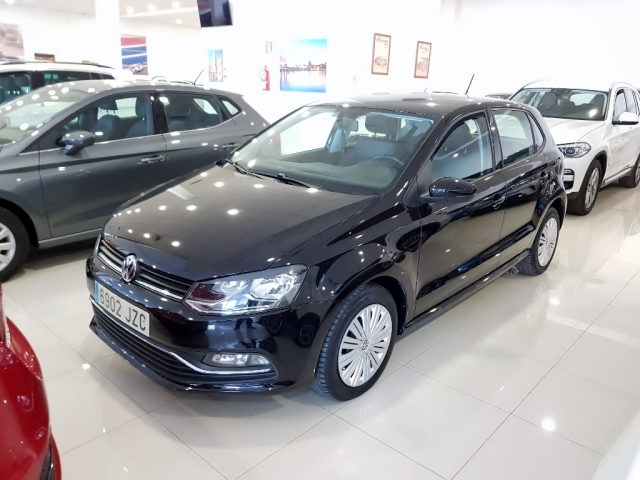 VOLKSWAGEN POLO  1.2 TSI 90cv Advance 5p. for sale in Malaga - Image 2