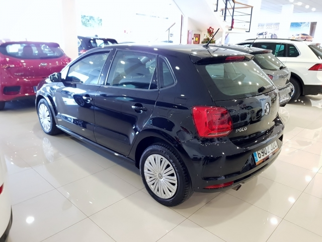 VOLKSWAGEN POLO  1.2 TSI 90cv Advance 5p. for sale in Malaga - Image 3