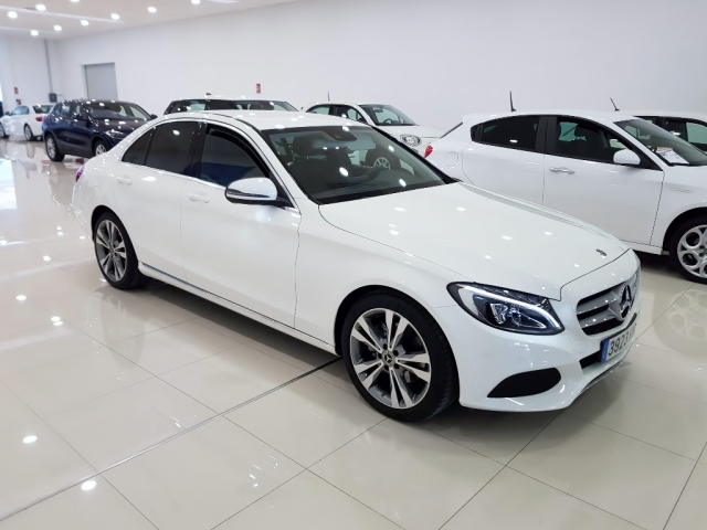 MERCEDES BENZ CLASE C  C 220 CDI Blue Efficiency 4p. for sale in Malaga - Image 2