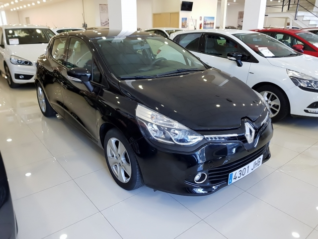 RENAULT CLIO  Expression 1.2 16v 75 5p. for sale in Malaga - Image 1