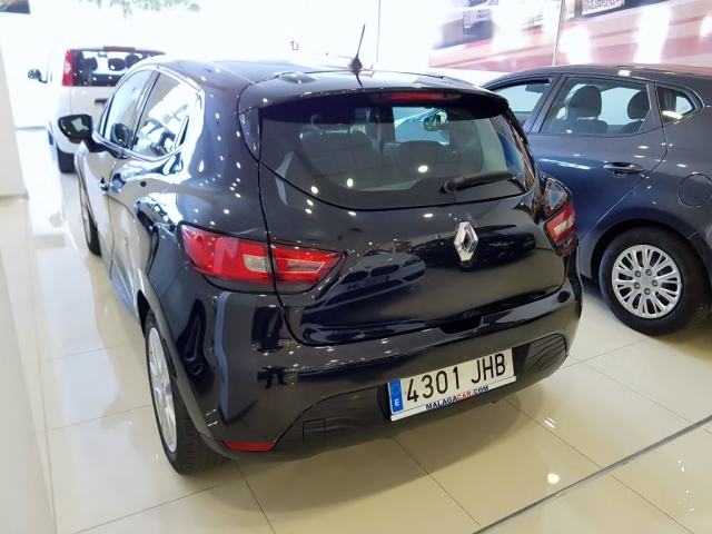 RENAULT CLIO  Expression 1.2 16v 75 5p. for sale in Malaga - Image 3