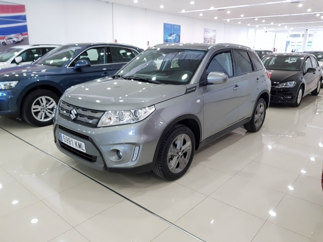 SUZUKI Vitara 1.6 VVT GLE 5p. for sale in Malaga - Image 1