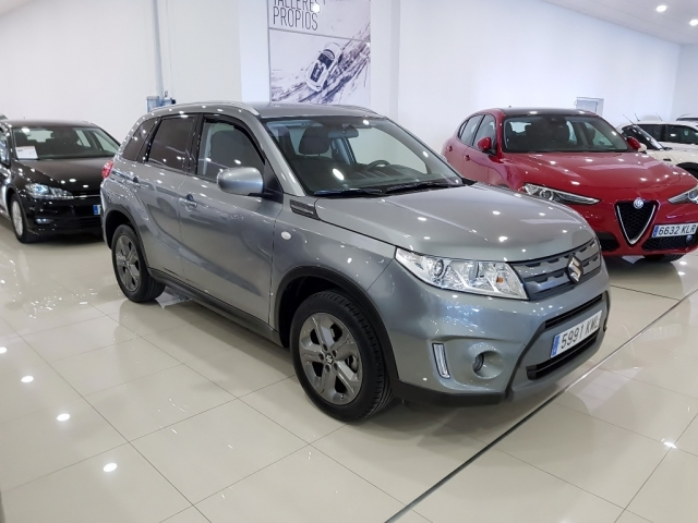 SUZUKI Vitara 1.6 VVT GLE 5p. for sale in Malaga - Image 2
