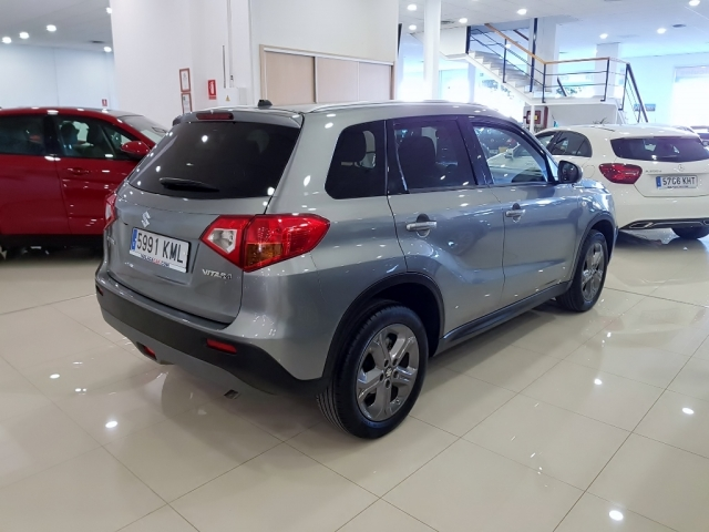 SUZUKI Vitara 1.6 VVT GLE 5p. for sale in Malaga - Image 3