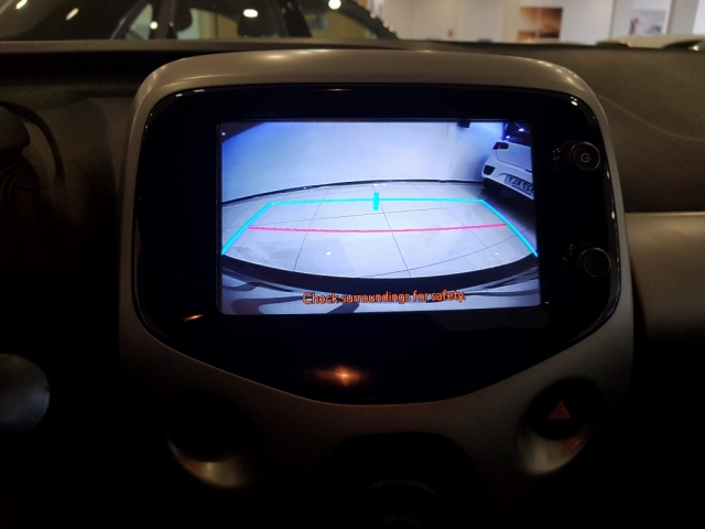 TOYOTA AYGO  1.0 70 xplay 5p. for sale in Malaga - Image 8