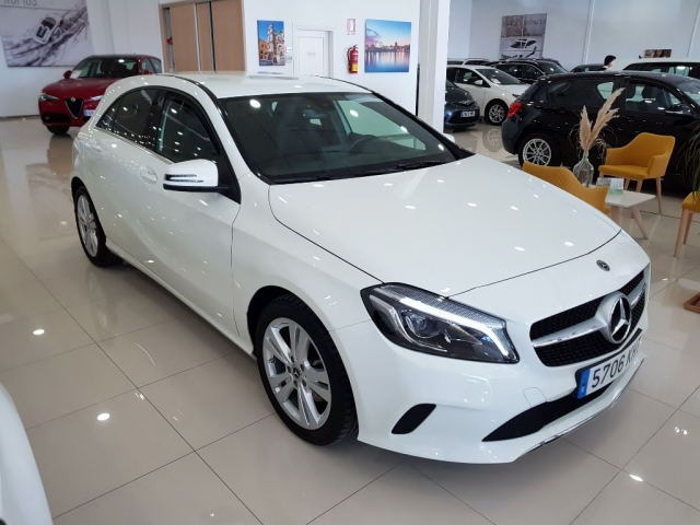 MERCEDES BENZ CLASE A  A 200 CDI BlueEFFICIENCY Urban 5p. for sale in Malaga - Image 1