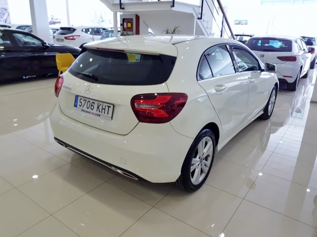 MERCEDES BENZ CLASE A  A 200 CDI BlueEFFICIENCY Urban 5p. for sale in Malaga - Image 4