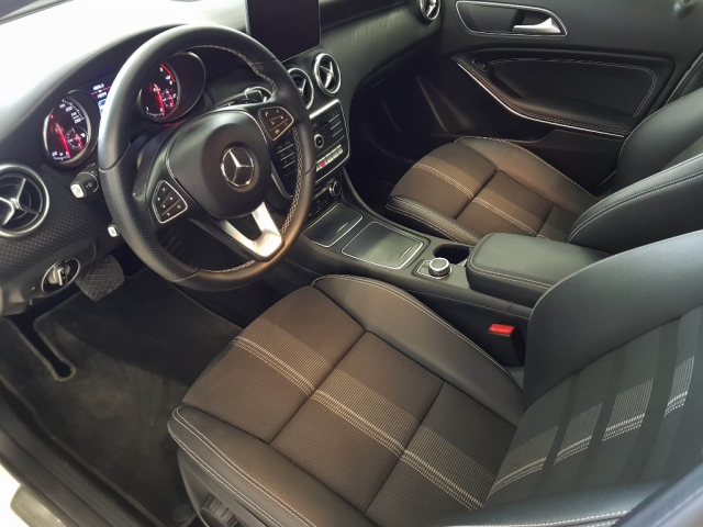 MERCEDES BENZ CLASE A  A 200 CDI BlueEFFICIENCY Urban 5p. for sale in Malaga - Image 8