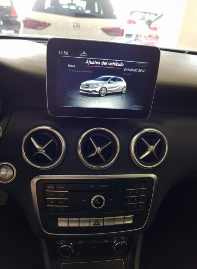 MERCEDES BENZ CLASE A  A 200 CDI BlueEFFICIENCY Urban 5p. for sale in Malaga - Image 9