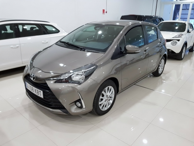 TOYOTA YARIS  1.0 70 City 5p. for sale in Malaga - Image 1