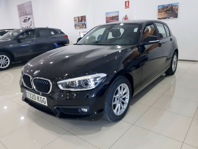 BMW SERIE 1  116i 5p. for sale in Malaga - Image 1