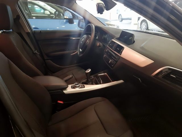 BMW SERIE 1  116i 5p. for sale in Malaga - Image 6