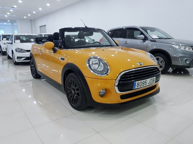 MINI   Cooper Cabrio 2p. for sale in Malaga - Image 1