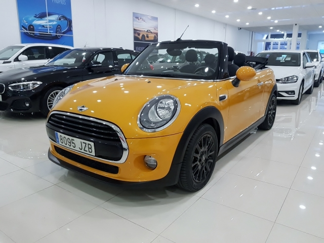 MINI   Cooper Cabrio 2p. for sale in Malaga - Image 2