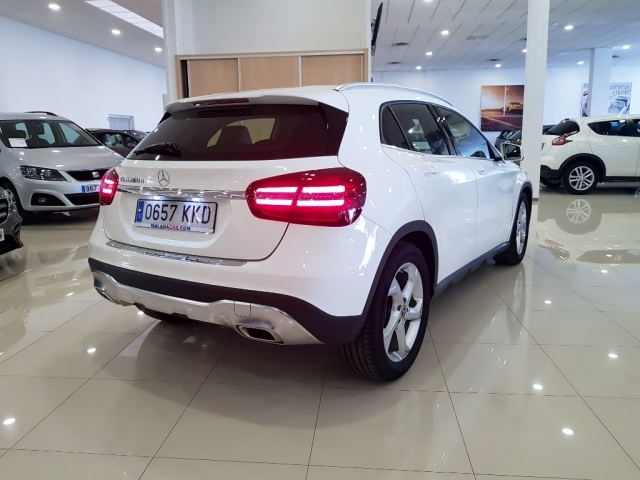 MERCEDES-BENZ GLA  200D  7G for sale in Malaga - Image 4