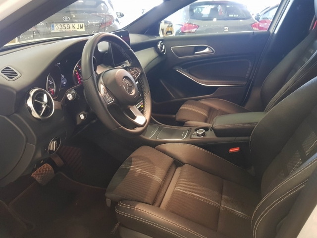 MERCEDES-BENZ GLA  200D  7G for sale in Malaga - Image 7