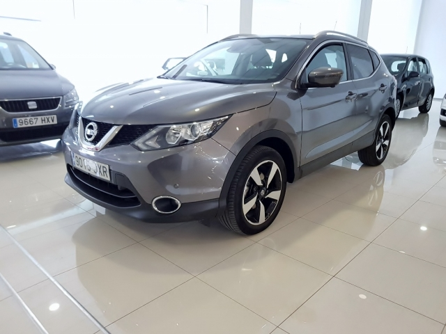 NISSAN QASHQAI  1.5dCi NCONNECTA 4x2 5p. for sale in Malaga - Image 1