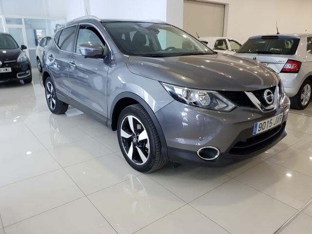 NISSAN QASHQAI  1.5dCi NCONNECTA 4x2 5p. for sale in Malaga - Image 2