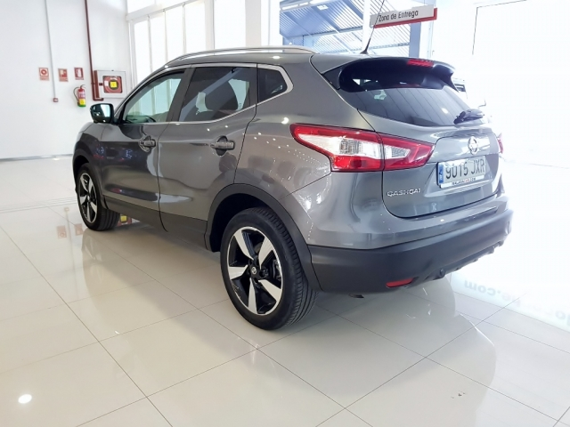 NISSAN QASHQAI  1.5dCi NCONNECTA 4x2 5p. for sale in Malaga - Image 4