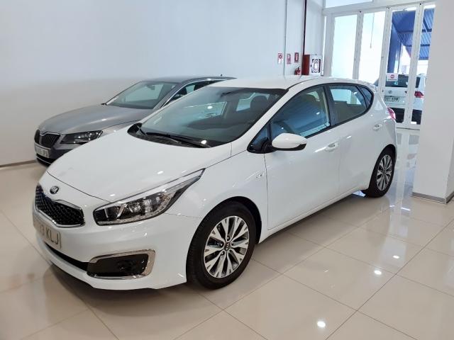 KIA CEED  1.4 CVVT 100cv Drive 5p. for sale in Malaga - Image 1