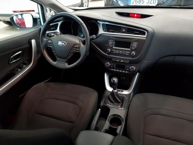 KIA CEED  1.4 CVVT 100cv Drive 5p. for sale in Malaga - Image 6