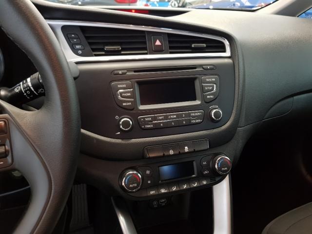 KIA CEED  1.4 CVVT 100cv Drive 5p. for sale in Malaga - Image 10