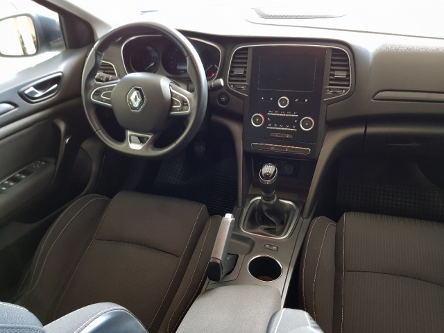 RENAULT MEGANE Mégane Intens TCe 74kW 100CV 5p. for sale in Malaga - Image 6