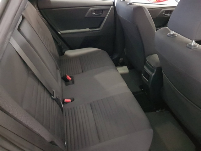 TOYOTA AURIS  1.2 120T Active 5p. for sale in Malaga - Image 5