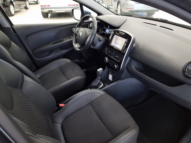 RENAULT CLIO  Zen Energy TCe 87kW 120CV EDC 5p. for sale in Malaga - Image 7