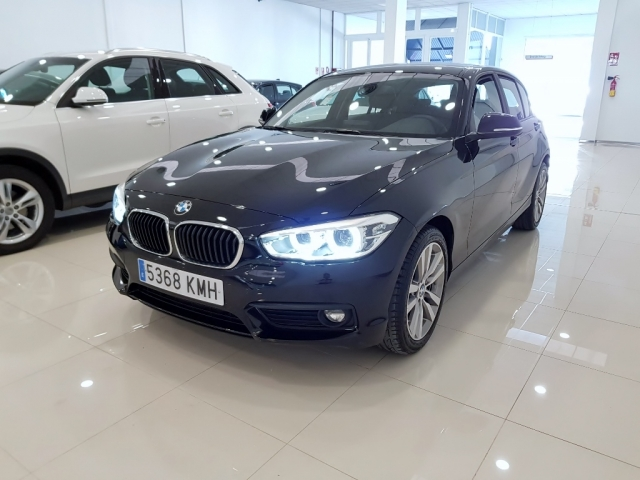 BMW SERIE 1  118i 5p. for sale in Malaga - Image 2