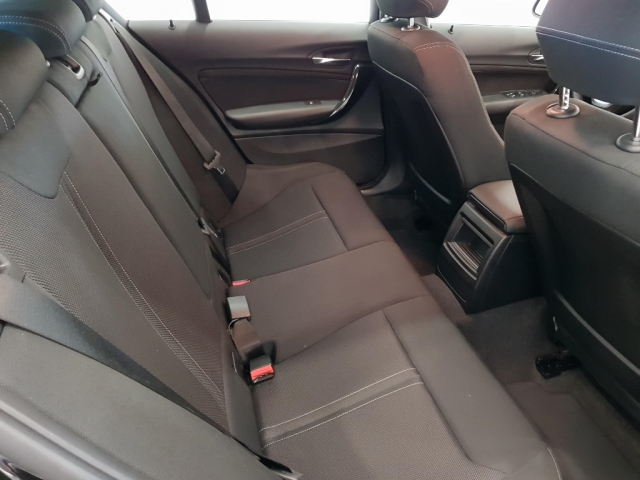BMW SERIE 1  118i 5p. for sale in Malaga - Image 5