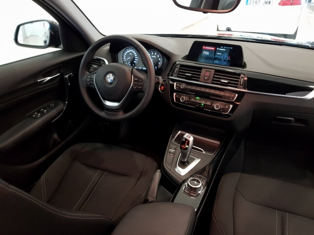 BMW SERIE 1  118i 5p. for sale in Malaga - Image 6