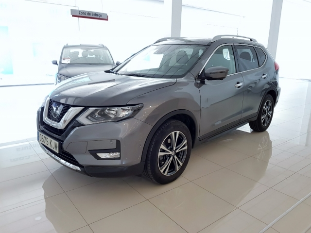 NISSAN XTRAIL X-TRAIL 1.6 dCi XTRONIC NCONNECTA 5p. for sale in Malaga - Image 2