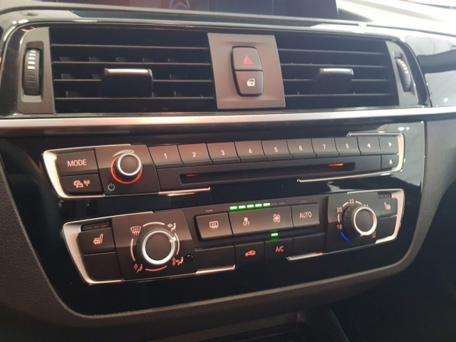BMW SERIE 1  118i 5p. de ocasión en Málaga - Foto 11