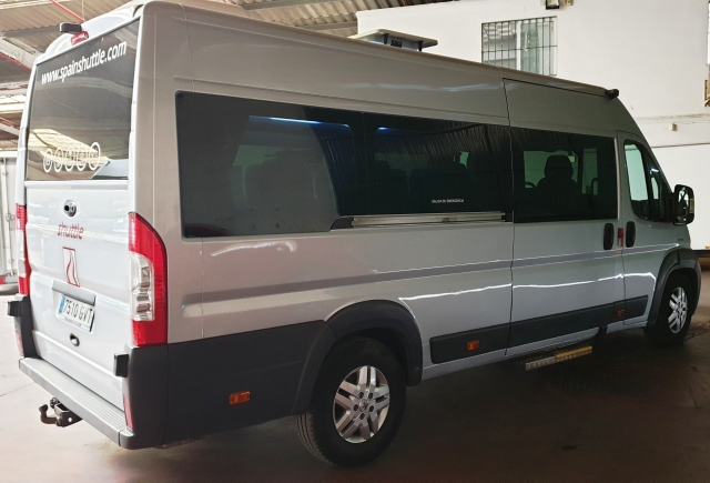 PEUGEOT Boxer  3.0 16 plazas + conductor for sale in Malaga - Image 3
