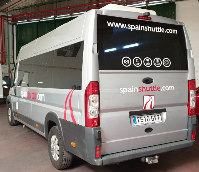 PEUGEOT Boxer  3.0 16 plazas + conductor for sale in Malaga - Image 4