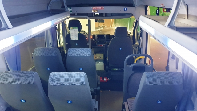PEUGEOT Boxer  3.0 16 plazas + conductor for sale in Malaga - Image 8