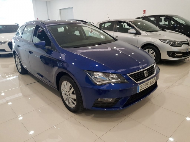 SEAT LEON ST 1.2 TSI 81kW 110CV StSp Reference 5p. for sale in Malaga - Image 1