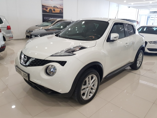 NISSAN JUKE  dCi EU6 81 kW 110 CV 6MT NCONNECTA 5p. for sale in Malaga - Image 2