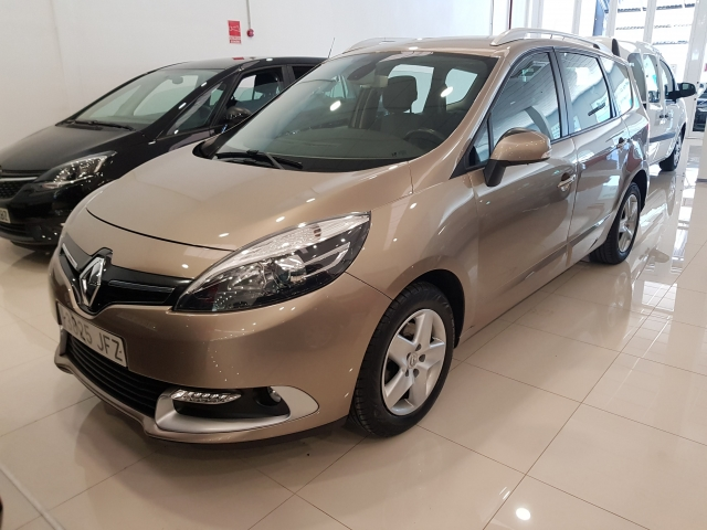 RENAULT GRAND SCENIC Grand Scénic Selection Energy dCi 110 eco2 7p 5p. for sale in Malaga - Image 1