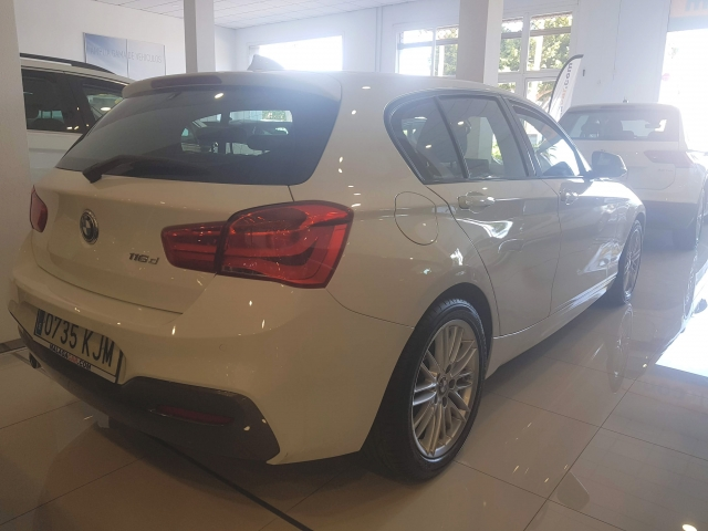 BMW SERIE 1  116d 5p. for sale in Malaga - Image 4