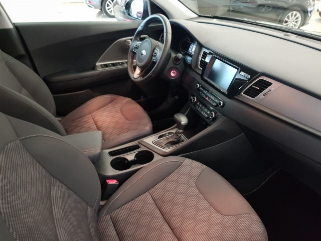 KIA NIRO  1.6 HEV 141CV Drive 5p. for sale in Malaga - Image 7
