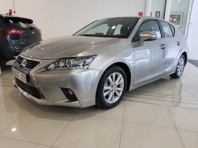 LEXUS CT  200H BUSSINES for sale in Malaga - Image 2
