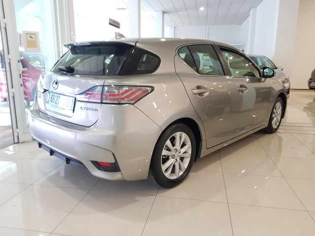 LEXUS CT  200H BUSSINES for sale in Malaga - Image 4