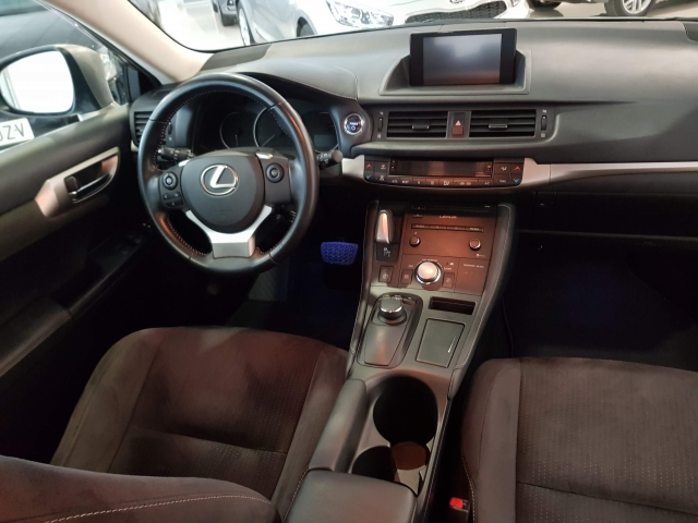 LEXUS CT  200H BUSSINES for sale in Malaga - Image 6