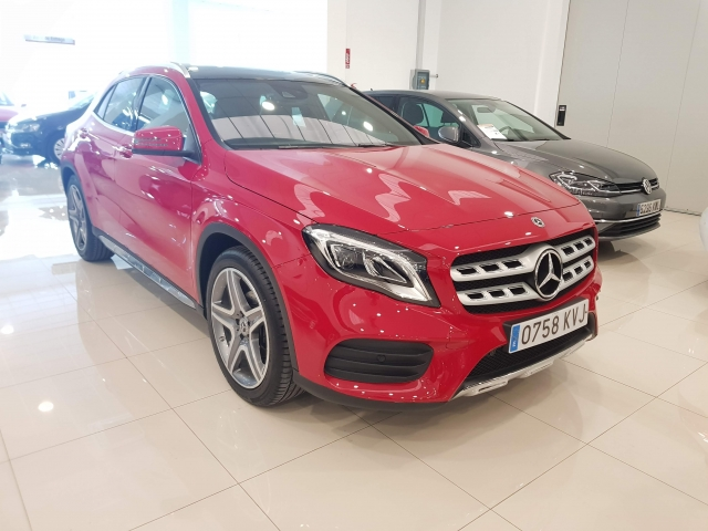 MERCEDES BENZ GLA  180 AMG for sale in Malaga - Image 1