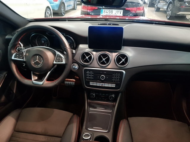 MERCEDES BENZ GLA  180 AMG for sale in Malaga - Image 7