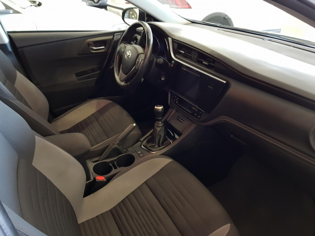 TOYOTA AURIS  1.2 120T ACTIVE PACK ACTIVE5p. for sale in Malaga - Image 7