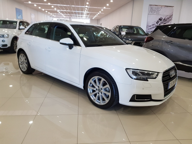 AUDI A3  30TFSI 115CV S tronic 5p. for sale in Malaga - Image 1